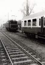 dmv-sonderfahrt/127719/lokwechsel-auf-e04-in-borna-ca Lokwechsel auf E04 in Borna, ca 1986