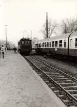 dmv-sonderfahrt/127727/e-04-rangiert-in-borna-um E 04 rangiert in Borna, um 1986