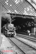 dresden-hbf/78890/br-86-vor-sonderzug-in-dresden BR 86 vor Sonderzug in Dresden Hbf