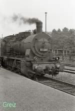 Dampfsonderfahrten/80109/br-57-dampft-vor-sich-hin BR 57 dampft vor sich hin - Greiz 1984